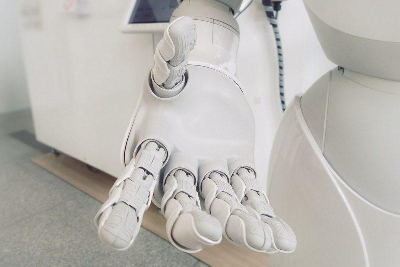 TEK asiakasreferenssi, kuvituskuva robotista